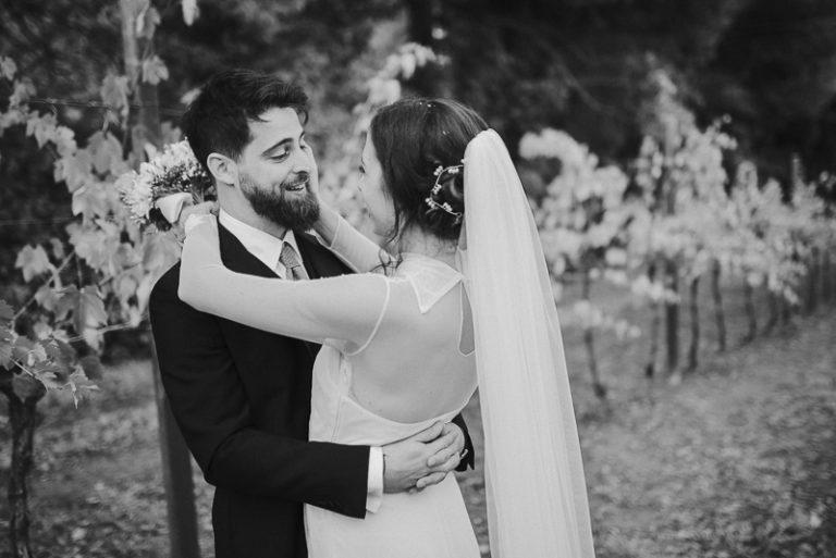Ritratto fotografico agli sposi tra le vigne - Matrimonio a Villa Rota