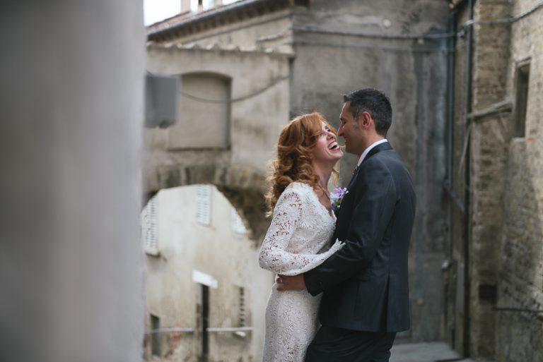 Foto di sposi a Modigliana - Matrimonio al Borghetto di Brola