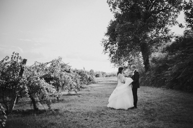 Ritratto a coppia di sposi eleganti a Scardavilla